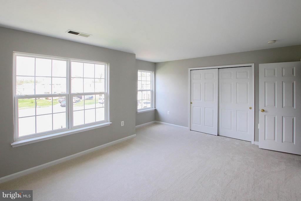 3rd bedroom alternate view - 108 CHARDIN CT, MARTINSBURG