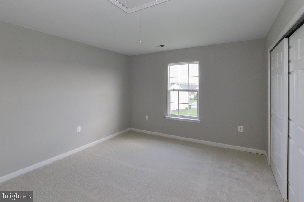 Five nicely sized bedrooms on the upper level - 108 CHARDIN CT, MARTINSBURG