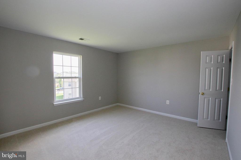 All with new carpet & freshly painted - 108 CHARDIN CT, MARTINSBURG