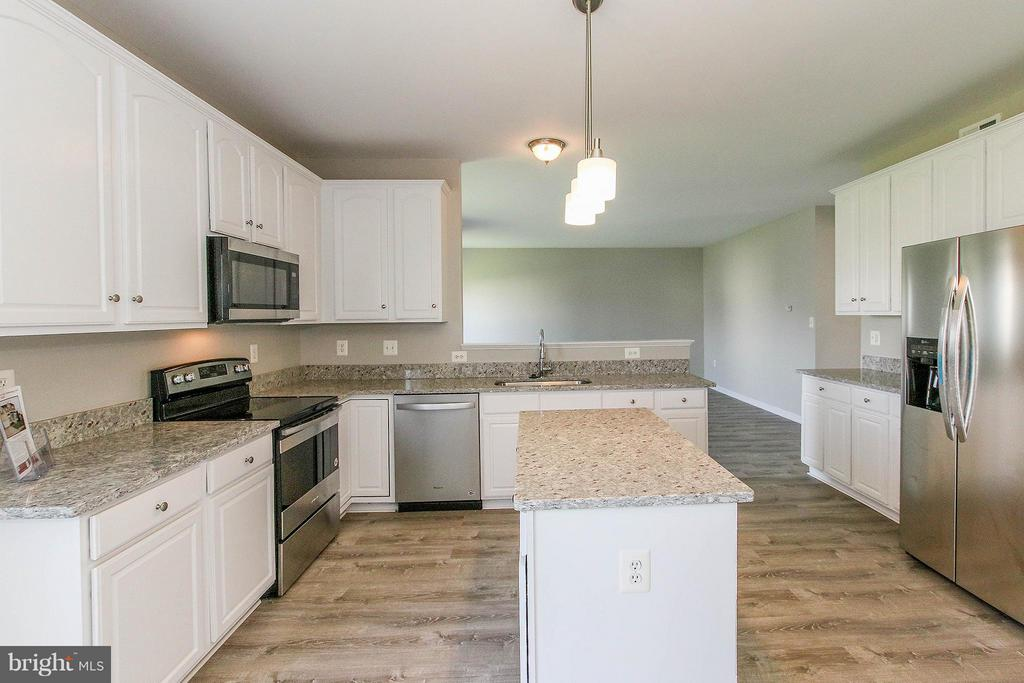 All  new stainless steel appliances - 108 CHARDIN CT, MARTINSBURG