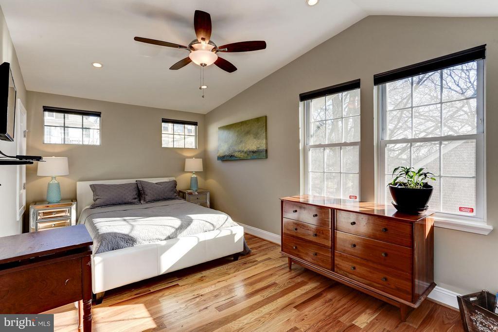Second Master Bedroom (Master) - 2008 HAMLIN ST NE, WASHINGTON