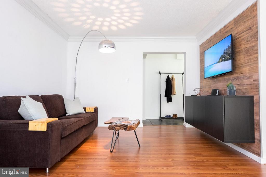 Living Room - 2242 CASTLE ROCK SQ #2B, RESTON