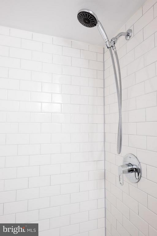 Bath - 2242 CASTLE ROCK SQ #2B, RESTON