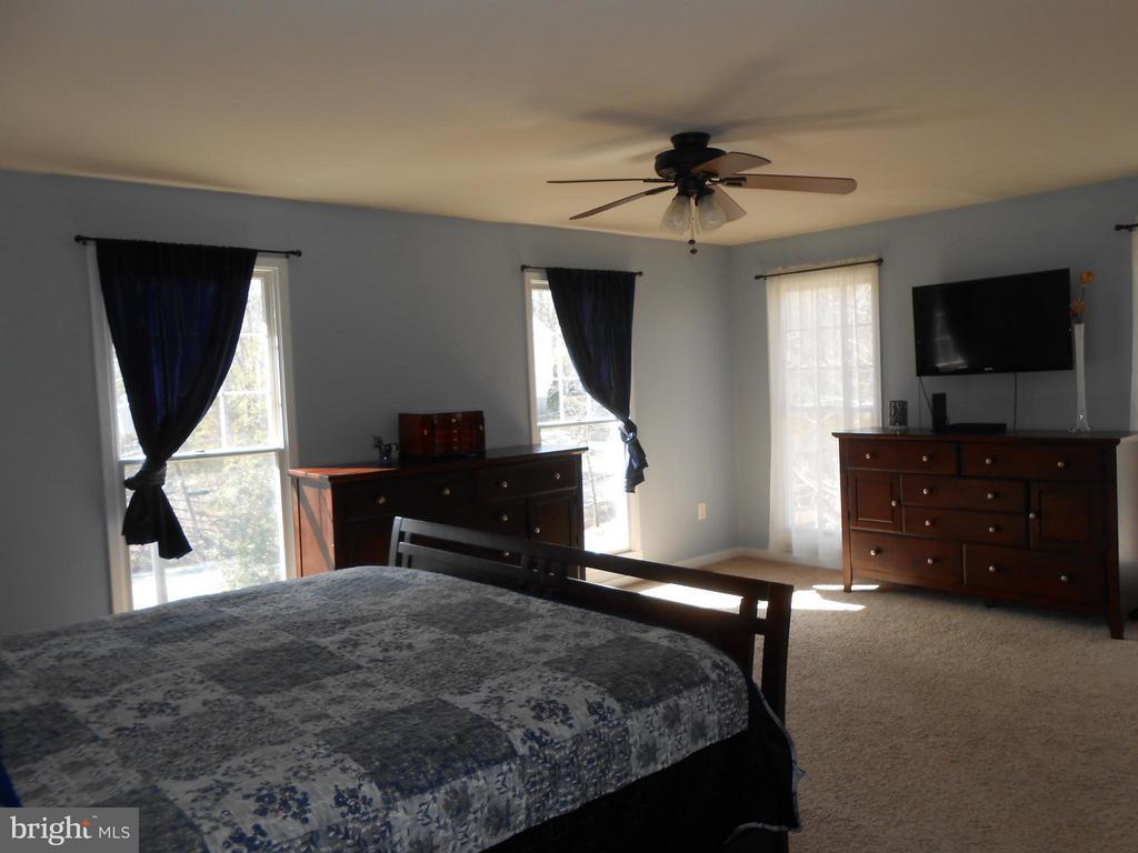Master Bedroom - 200 BEACON CV, STAFFORD