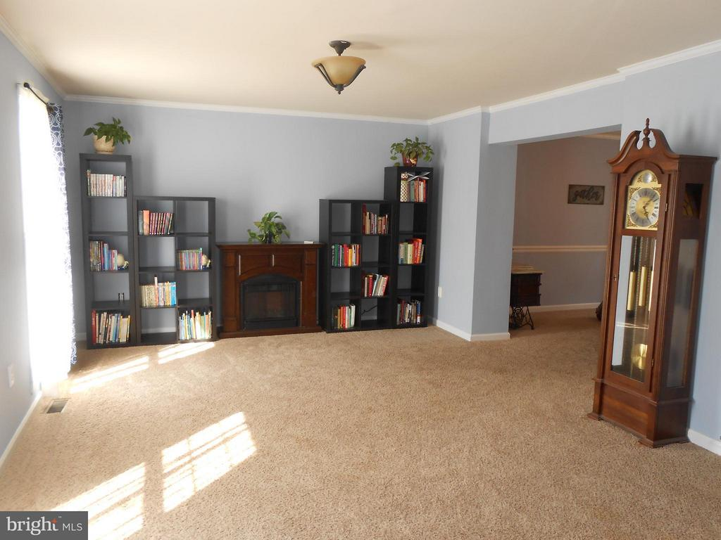 Living Room - 200 BEACON CV, STAFFORD