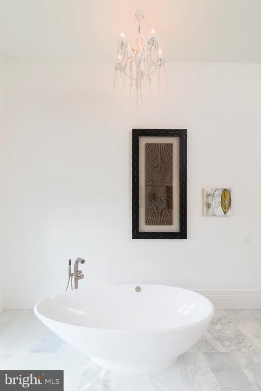 Bath - 0 RED SUNSET PL, ALDIE