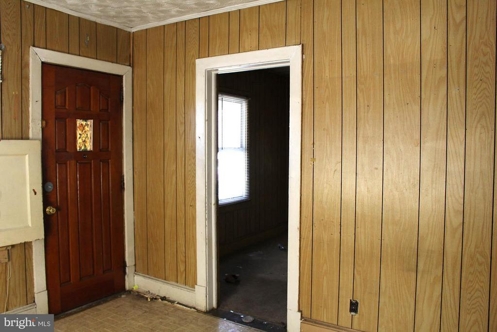 Living Room - 5007 LEE ST NE, WASHINGTON