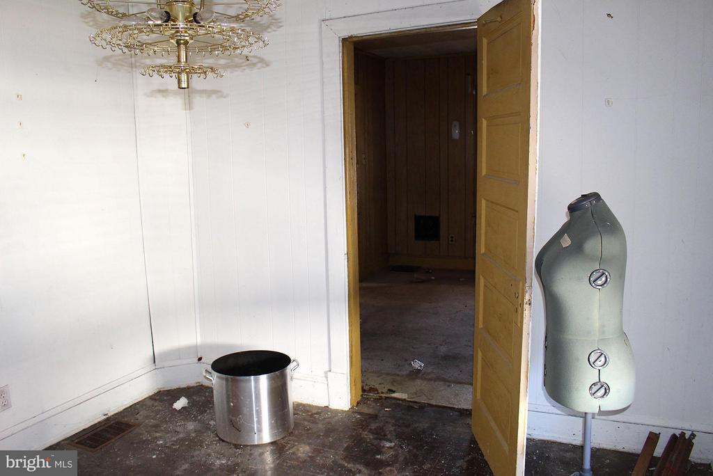 Back Bedroom with connecting door to front bedroom - 5007 LEE ST NE, WASHINGTON