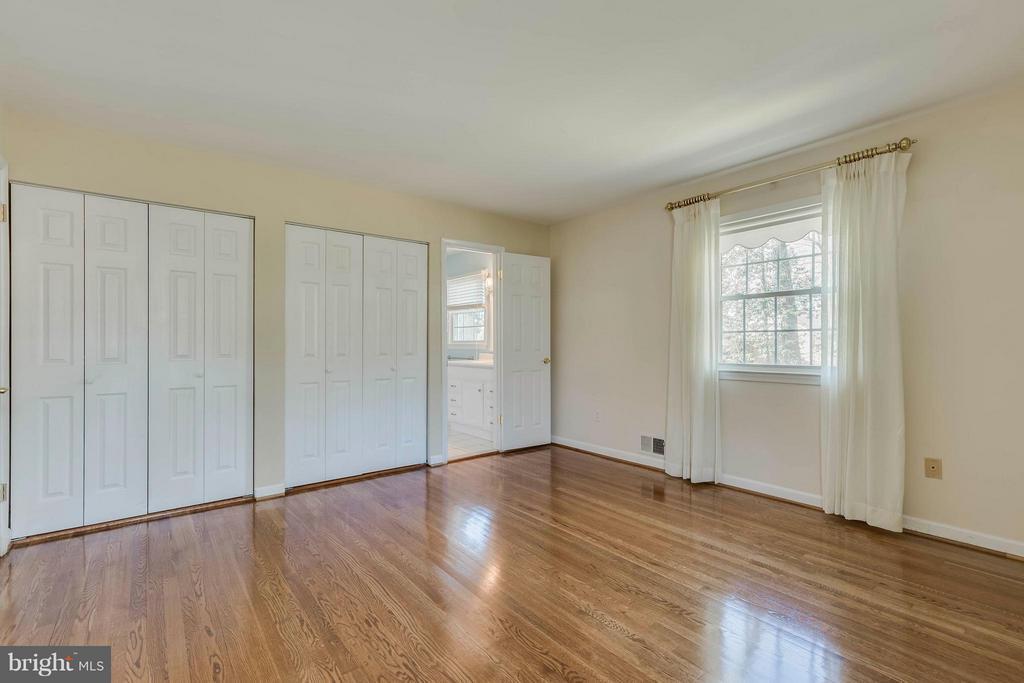 Bedroom (Master) - 9130 CHERRYTREE DR, ALEXANDRIA