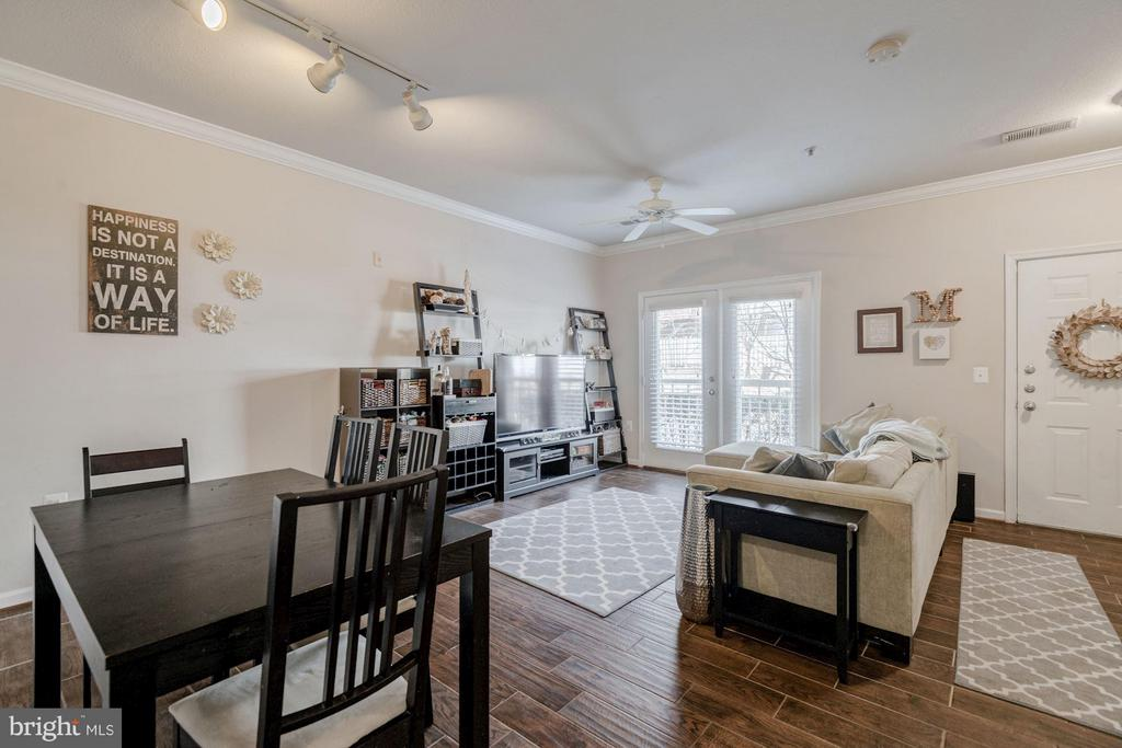 Direct access from the street - 2765 CENTERBORO DR #159, VIENNA