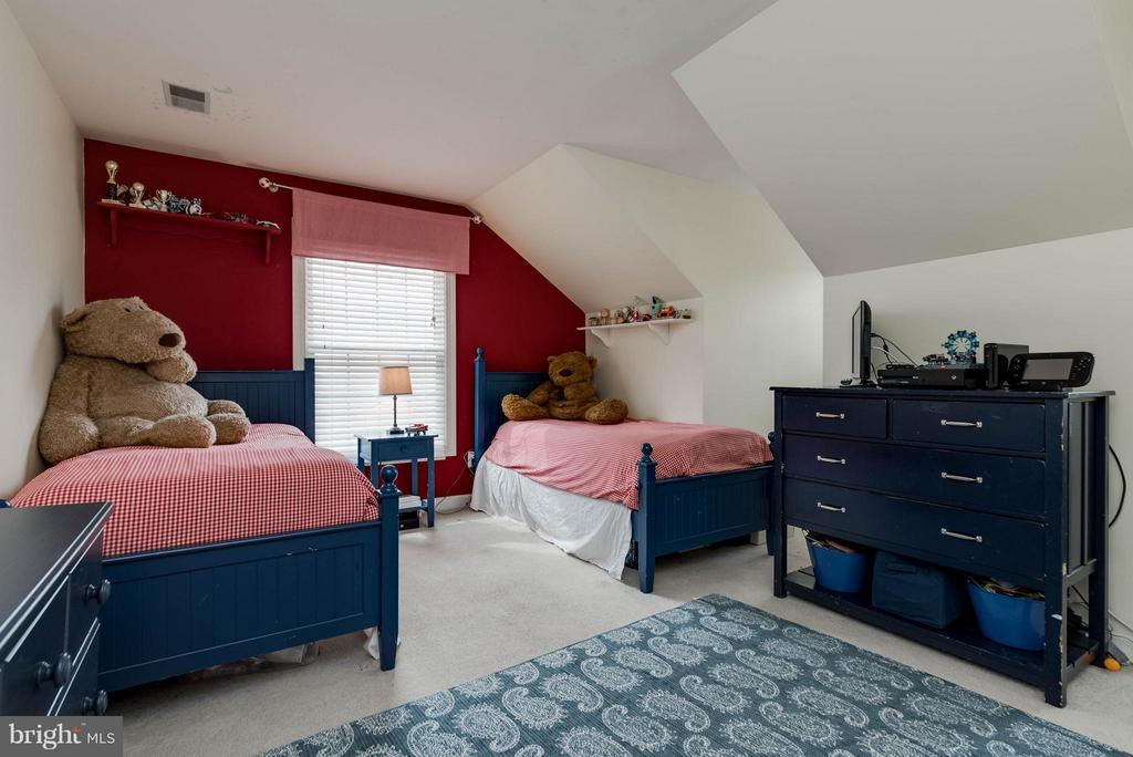 Bedroom #4 - 43345 ROYAL BURKEDALE ST, CHANTILLY