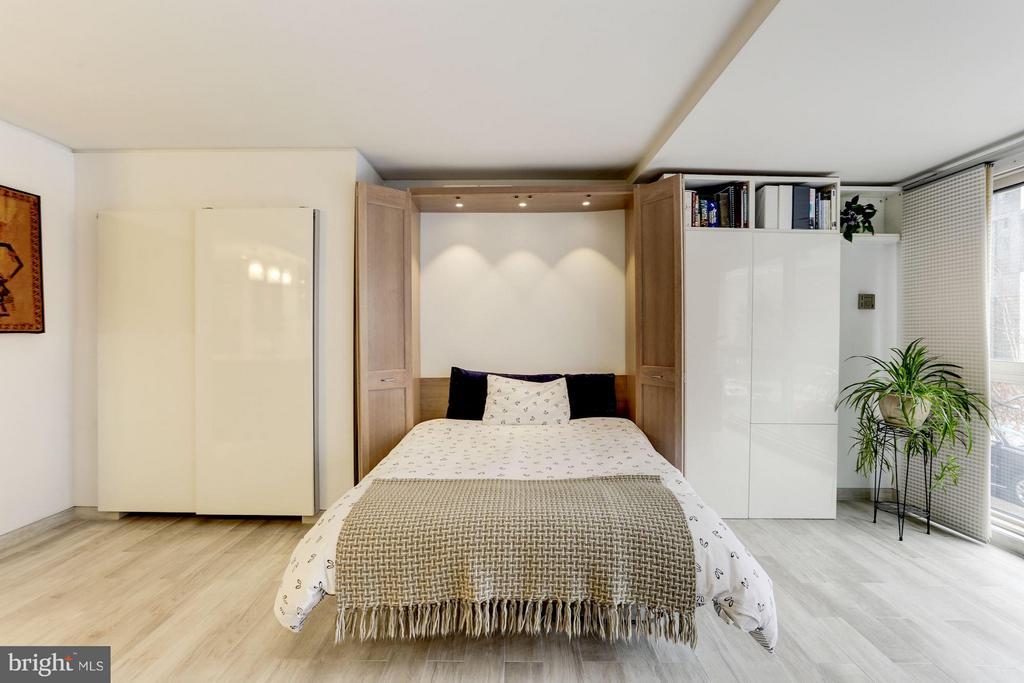 Interior/ Murphy Bed Conveys - 922 24TH ST NW #118, WASHINGTON