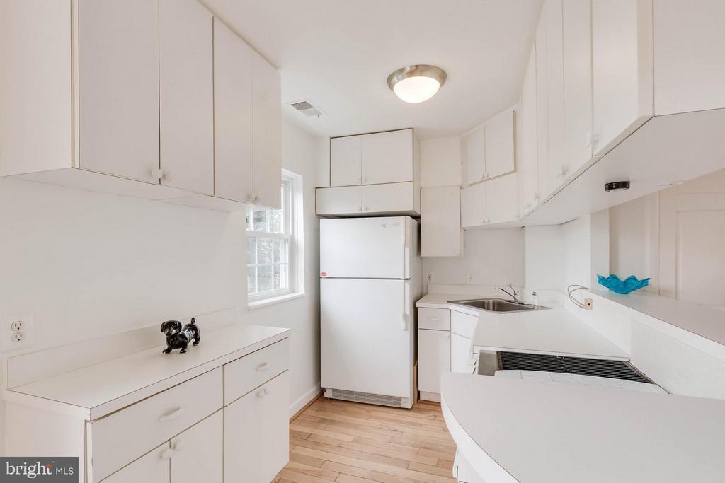 Kitchen - 3353 STAFFORD ST #B1, ARLINGTON