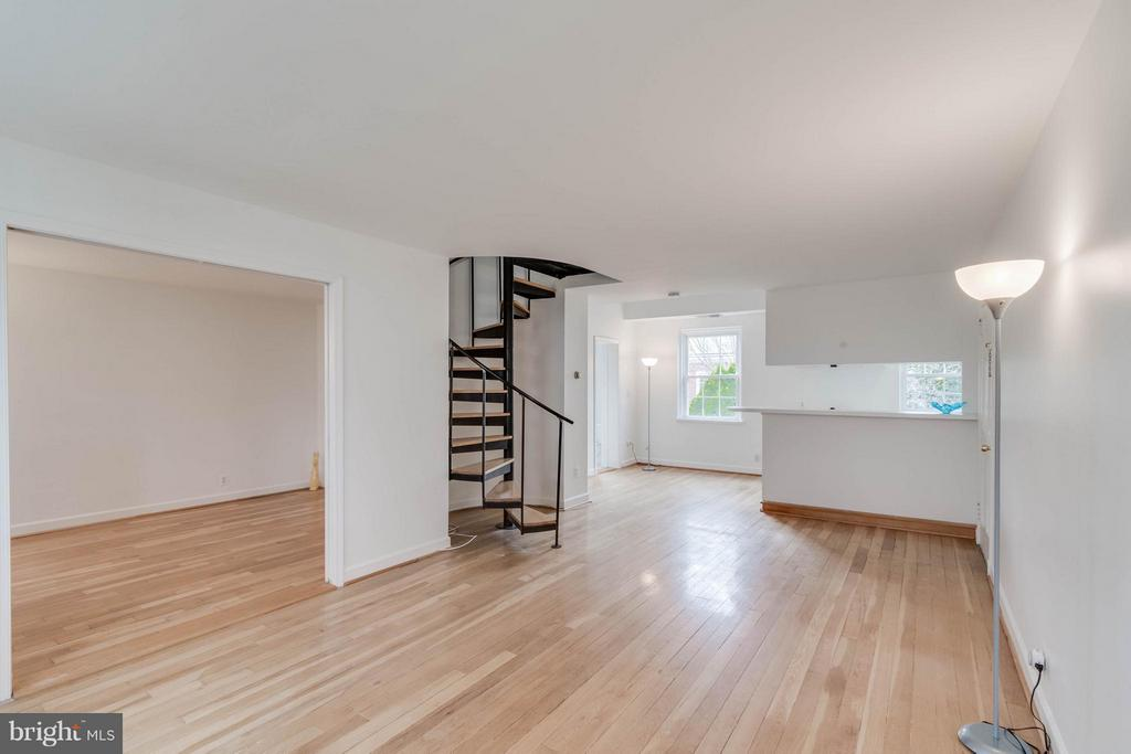 Living Room - 3353 STAFFORD ST #B1, ARLINGTON