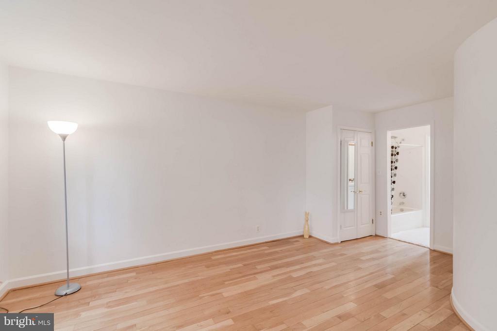 Bedroom (Master) - 3353 STAFFORD ST #B1, ARLINGTON