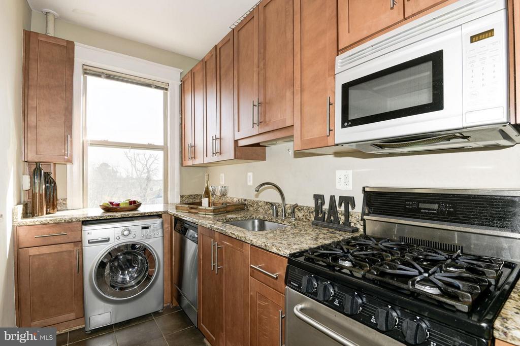Kitchen - 6645 GEORGIA AVE NW #302, WASHINGTON