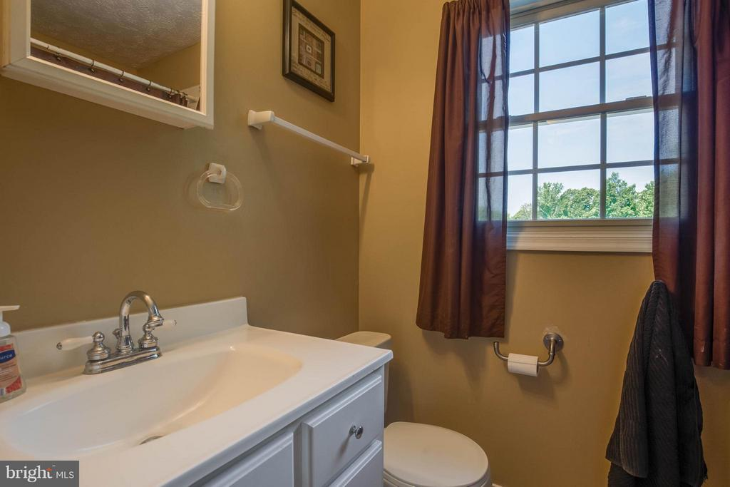 Bath - 8310 DIAMOND HILL RD, WARRENTON