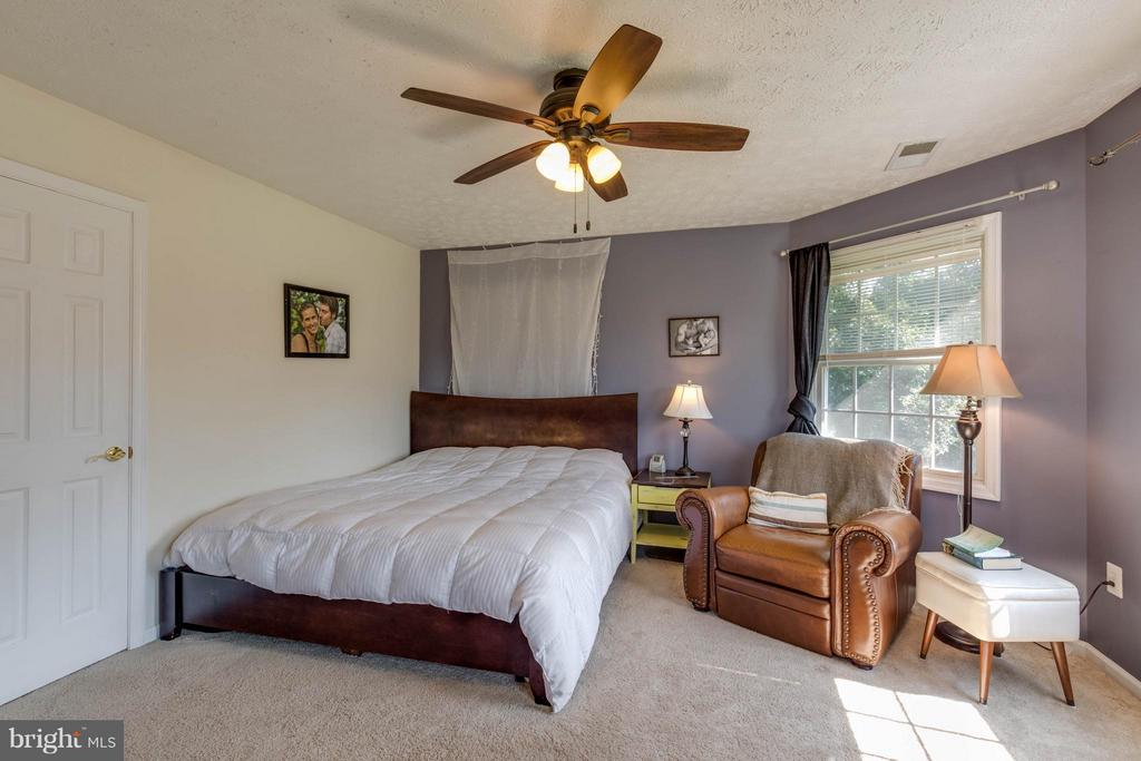 Bedroom (Master) - 8310 DIAMOND HILL RD, WARRENTON