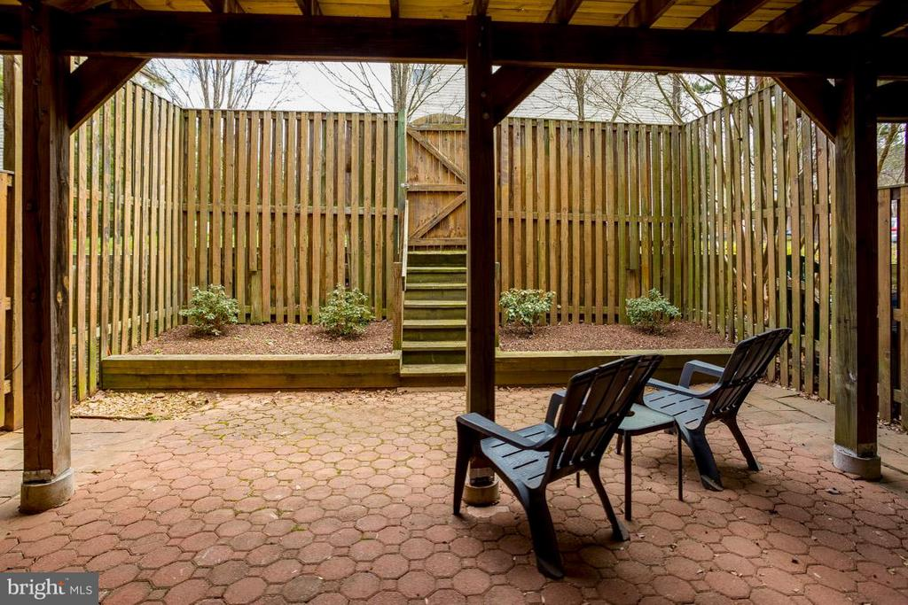 Exterior - Patio - 20770 HOLLOW FALLS TER, STERLING