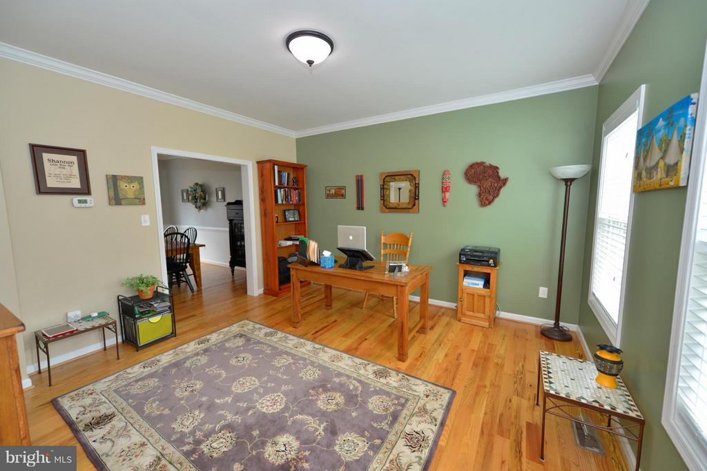 Spacious Formal Living Room - 670 LOWER CLUB HOUSE, HARPERS FERRY