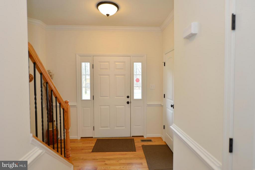 Foyer with Half Side Light Windows - 670 LOWER CLUB HOUSE, HARPERS FERRY