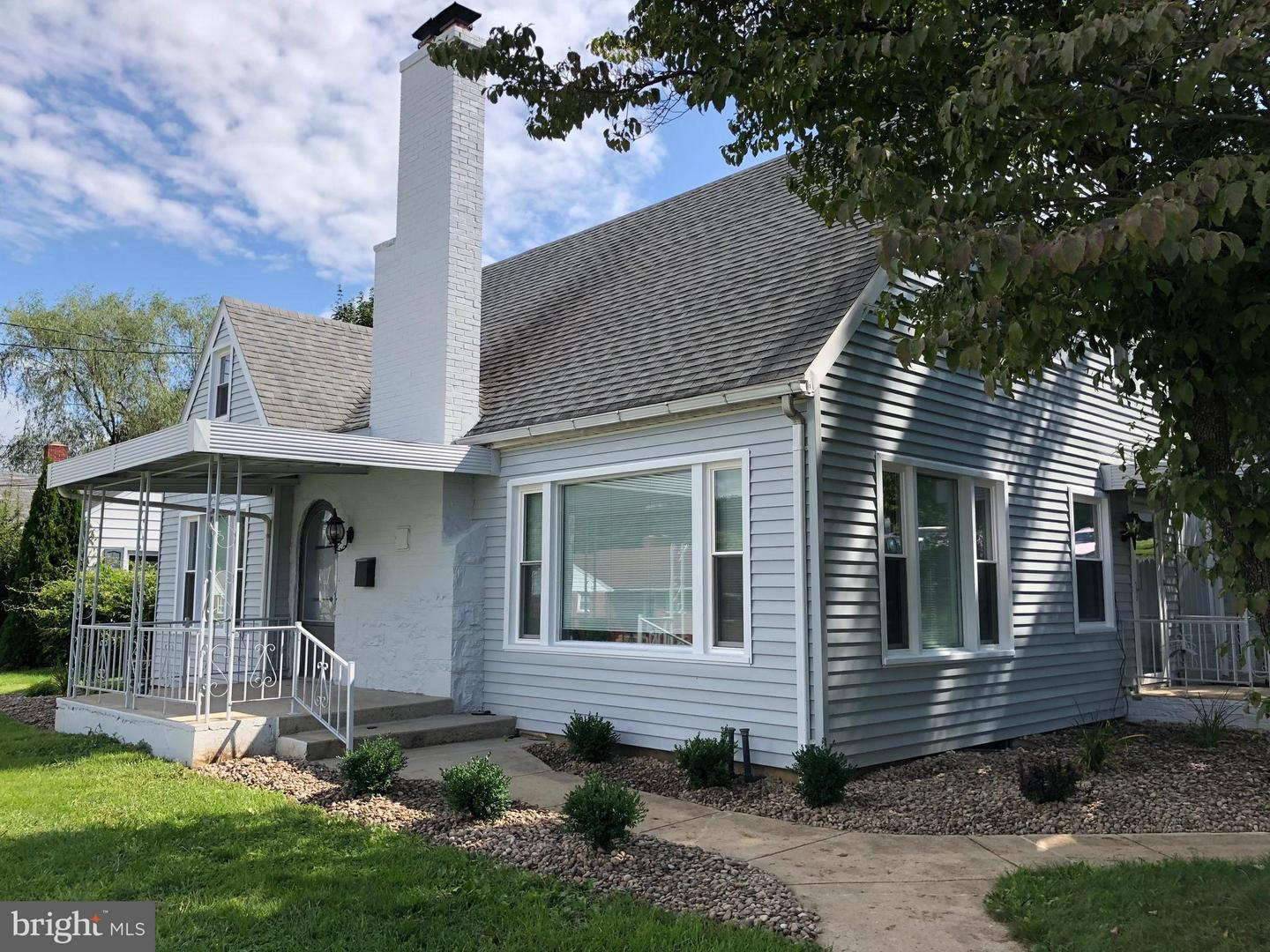 Single Family for Sale at 402 N 3rd St Mc Connellsburg, Pennsylvania 17233 United States