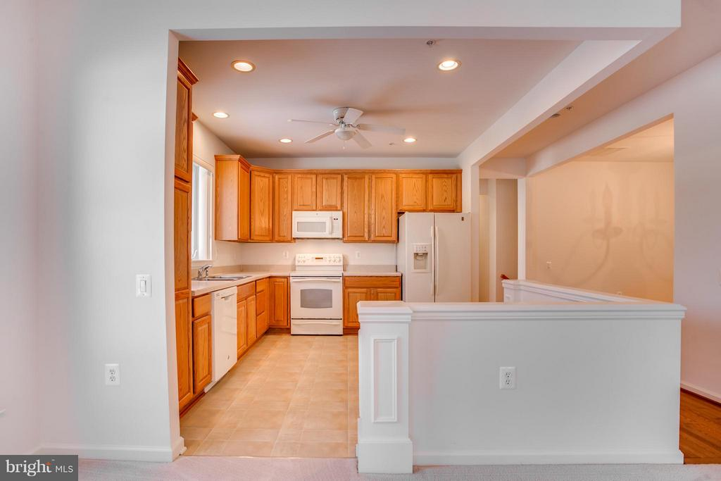 Ceiling Fan, Recess Lighting - 30 ASPEN HILL DR, FREDERICKSBURG