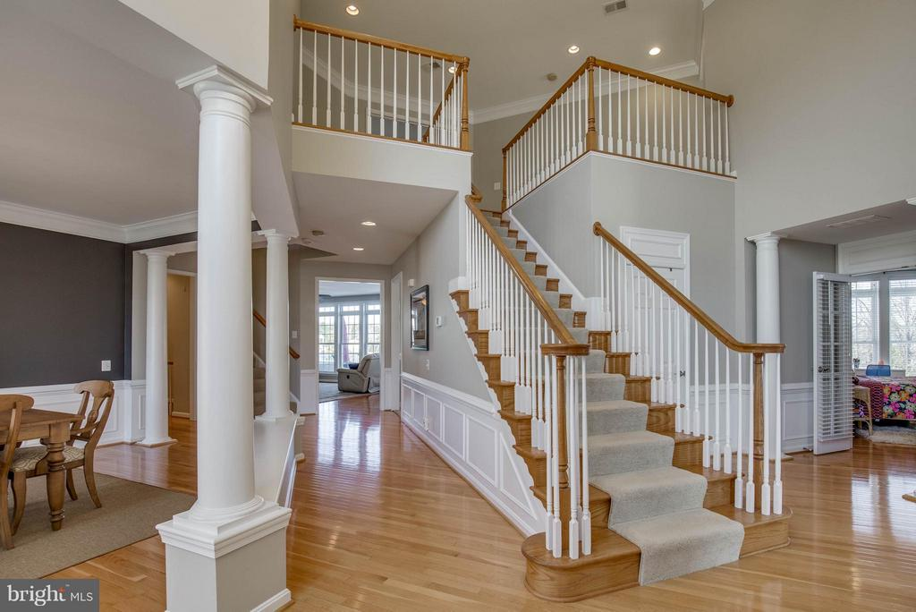 Grand Two Story Foyer - 43812 CHURCHILL GLEN DR, CHANTILLY