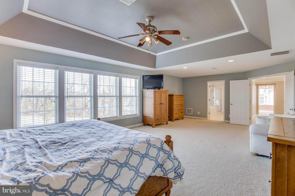 Master Bedroom with Sitting Room - 43812 CHURCHILL GLEN DR, CHANTILLY