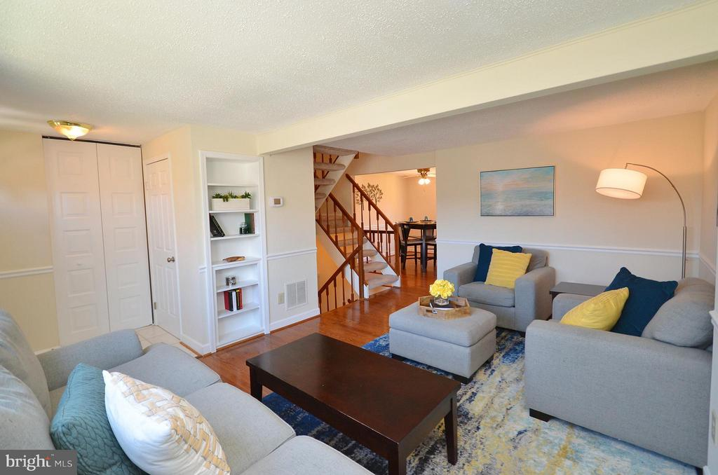 Living Room - 5326 LAROCHELLE CT, ALEXANDRIA