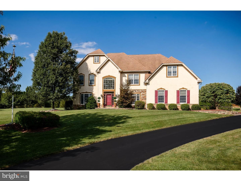 Частный односемейный дом для того Продажа на 145 FOX RUN Easton, Пенсильвания 18042 Соединенные Штаты