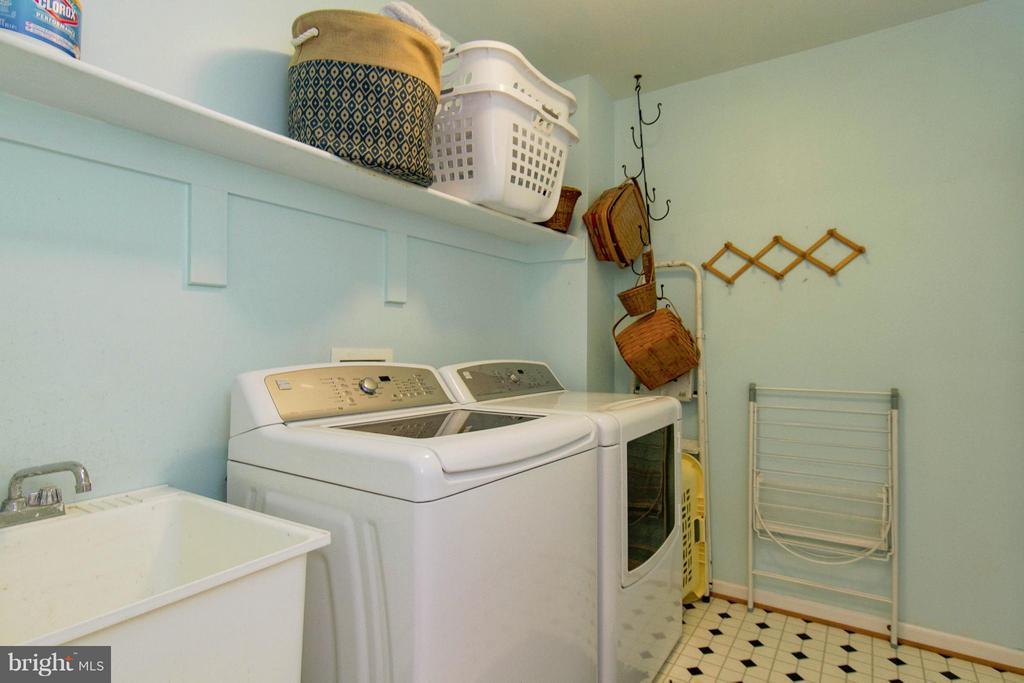 Laundry - 13380 GANDALL CT, MANASSAS