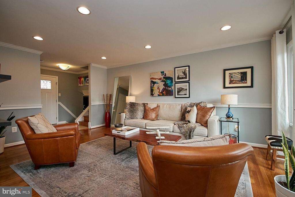 Living Room - 3205 TRAVELER ST, FAIRFAX