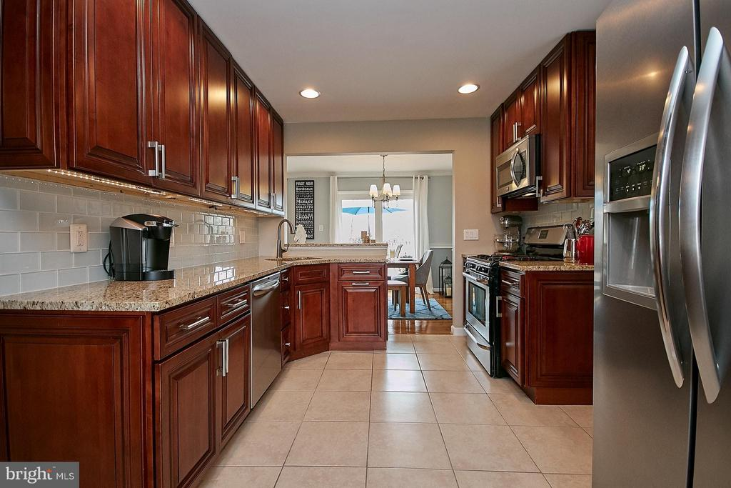 Renovated kitchen - 3205 TRAVELER ST, FAIRFAX