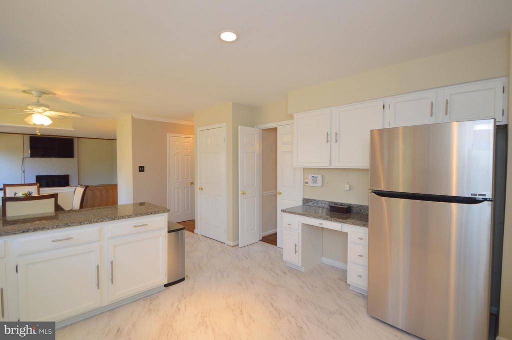 Kitchen - 5837 COLFAX AVE, ALEXANDRIA