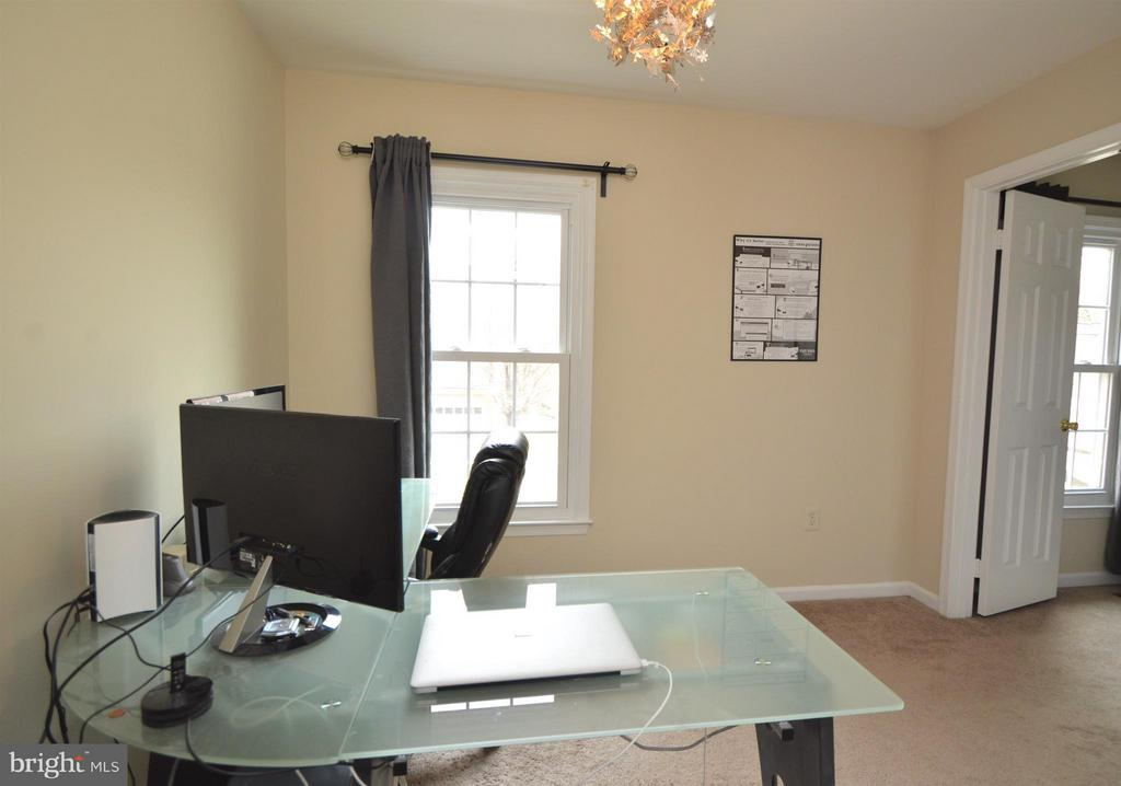 Office/Sitting area off of Master - 5837 COLFAX AVE, ALEXANDRIA