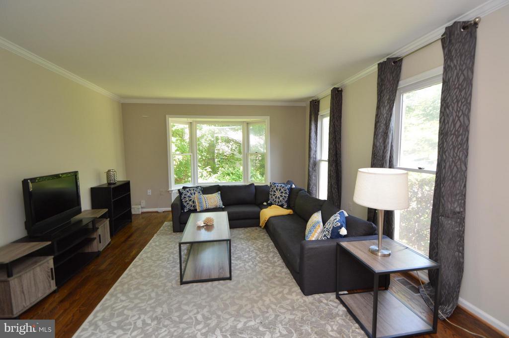 Living Room - 5837 COLFAX AVE, ALEXANDRIA
