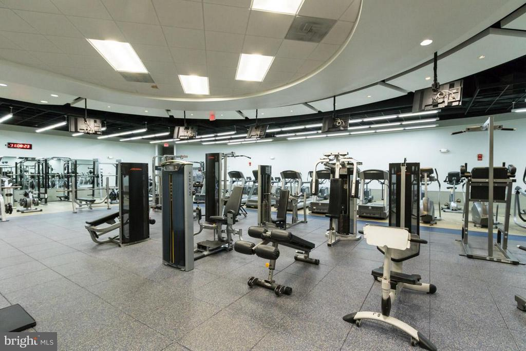 Large Workout Facility - 1111 ARLINGTON BLVD #541, ARLINGTON
