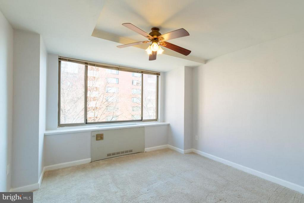Family Room - 1111 ARLINGTON BLVD #541, ARLINGTON