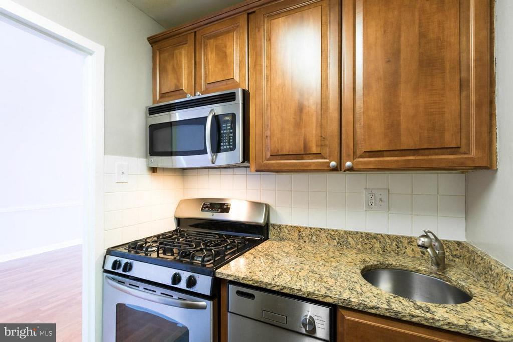 Kitchen - 1111 ARLINGTON BLVD #541, ARLINGTON