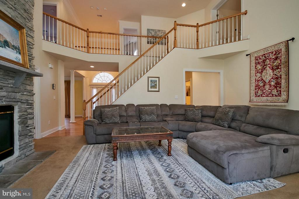 Two Story Family Room - 9322 OLD BURKE LAKE RD, BURKE