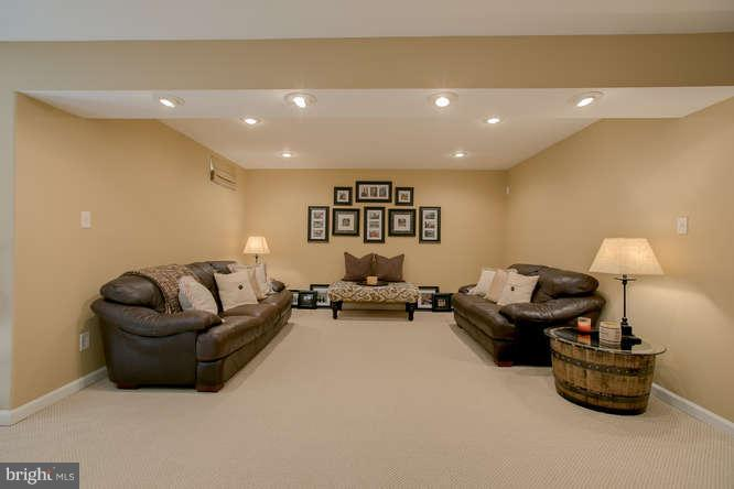 ~ Additional Seating Area~Could be Movie Room ~ - 37 KINROSS DR, STAFFORD