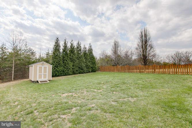 ~ Large Flat Yard Ready for Your Playset or Pool ~ - 37 KINROSS DR, STAFFORD