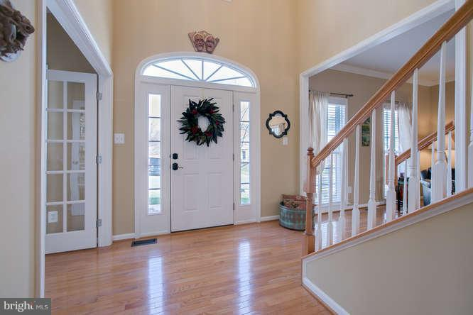 ~ Bright and Open Foyer ~ - 37 KINROSS DR, STAFFORD