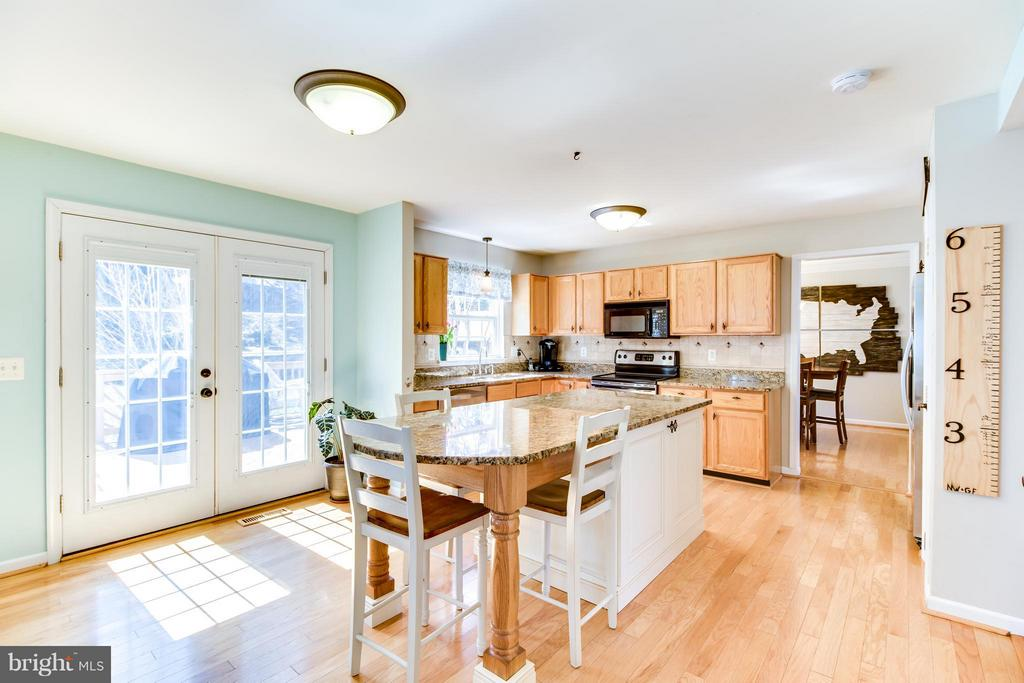 Extended Kitchen Island, French Doors to Deck - 15 BLUE SPRUCE CIR, STAFFORD