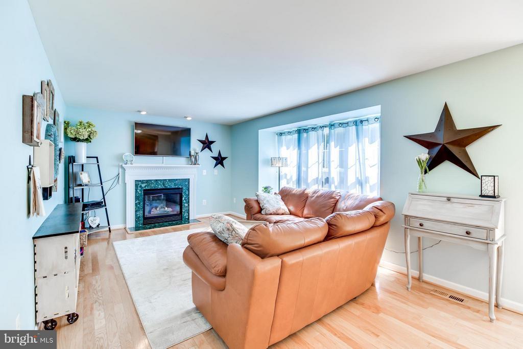 Family Room w/ Gas Fireplace - 15 BLUE SPRUCE CIR, STAFFORD