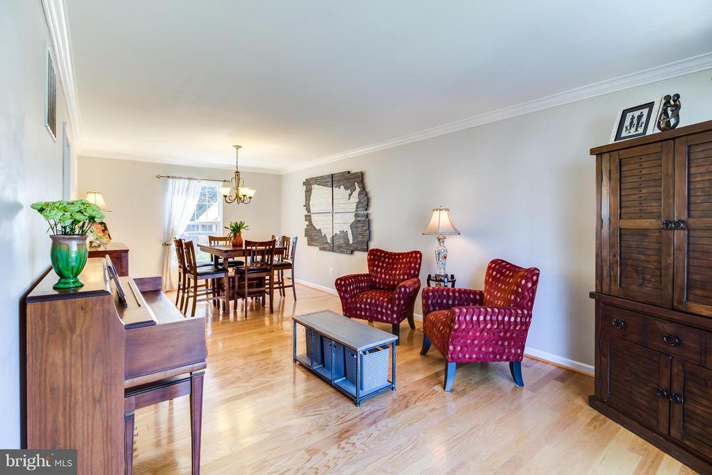 Open Floor Plan: Dining Room/Living Room Areas - 15 BLUE SPRUCE CIR, STAFFORD