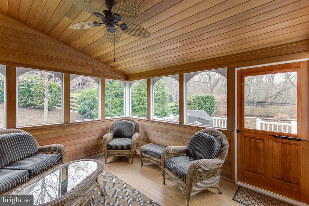 Wonderful 3 Season Sun Room - 22344 HARRIER LN, LEESBURG