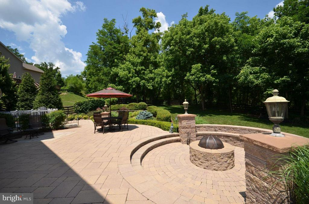 Amazing 900+ SqFt. Paver Patio with Firepit - 22344 HARRIER LN, LEESBURG