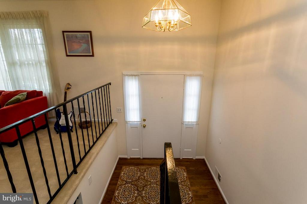 Entry to main level and downstairs - 2328 MALRAUX DR, VIENNA